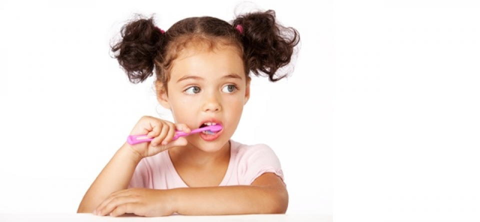 La ce varsta erup dintii? Partea II