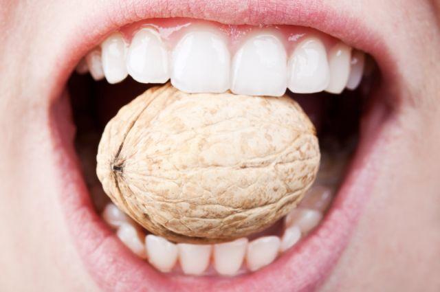 Ce facem in cazul unui dinte rupt (fracturat)