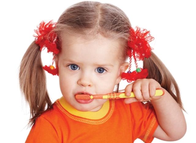 75% dintre copii au carii netratate