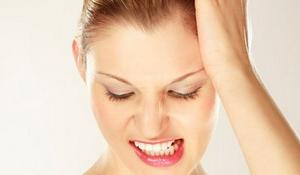 Scrasnitul din dinti  duce la pierderea smaltului.