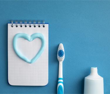 Importanța spălatului pe dinți înainte de culcare